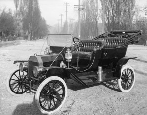 File:1910Ford-T.jpg